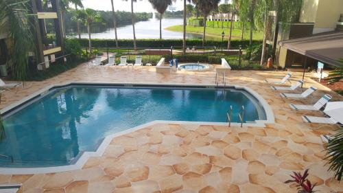 Best Western Plus Deerfield Beach Hotel Suites In Deerfield Beach Fl Swimming Pool Outdoor
