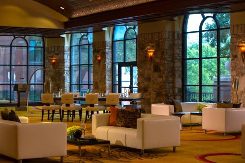 Renaissance Austin Hotel, A Marriott Luxury & Lifestyle Hotel photo 46