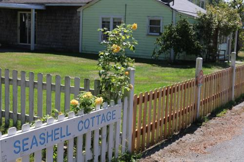 Seashell Cottage - Cottages by the Beach Photo