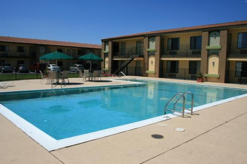 Best Western Roseville Inn Photo
