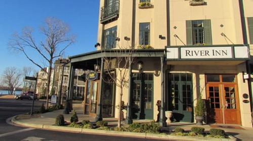 River Inn of Harbor Town Photo