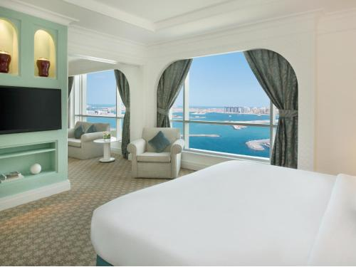 Habtoor Grand Beach Resort & Spa Autograph Collection, A Marriott Luxury & Lifestyle Hotel photo 68