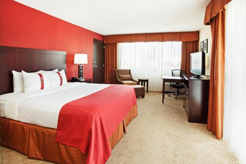 Holiday Inn Knoxville Downtown - Worlds Fair Park Photo