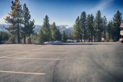 Motel 6 Mammoth Lakes Photo