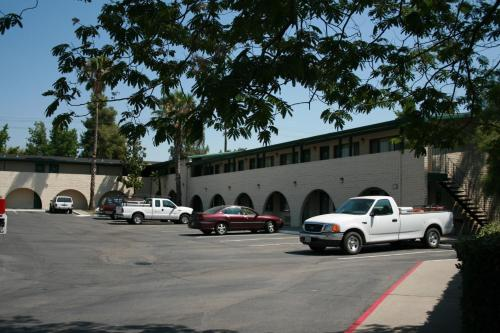 Heritage Inn Express Roseville Photo