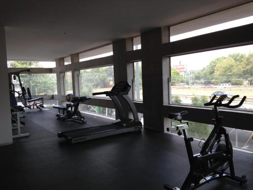Gym & Pool. Loft Condesa Neighborhood Photo