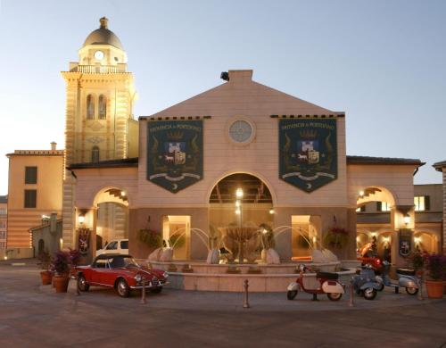 Universal's Loews Portofino Bay Hotel Photo