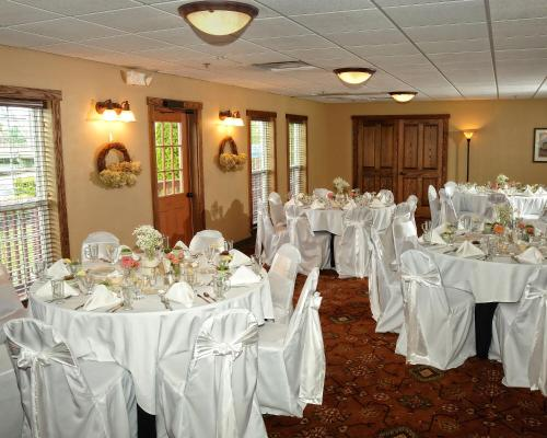 The Red Mill Inn Photo