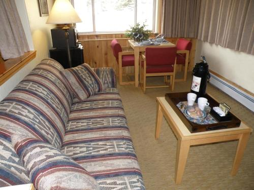 Rivers Edge Motel Lodge & Resort Photo