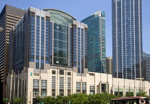 Embassy Suites Chicago Downtown Magnificent Mile - chicago -