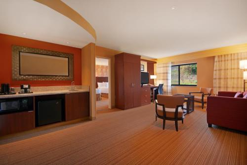 Courtyard by Marriott Oneonta Photo
