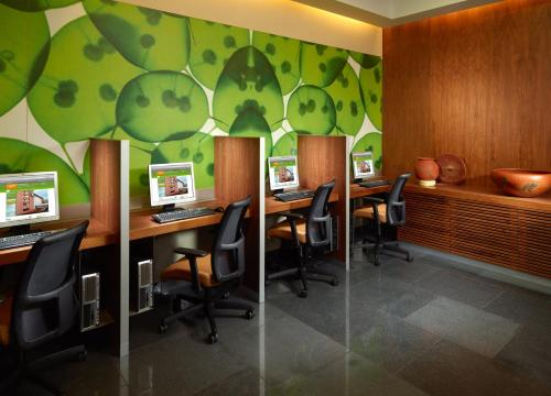 Courtyard by Marriott Mexico City Airport Photo