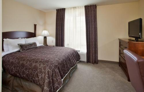 Staybridge Suites Kansas City-Independence Photo