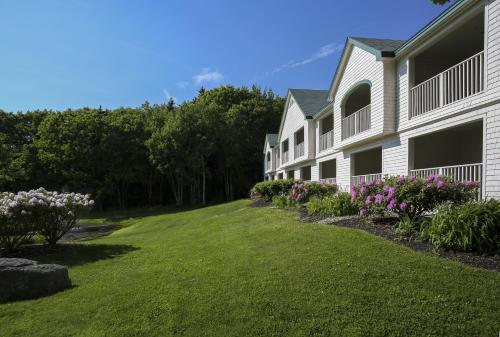 Spruce Point Inn Resort and Spa Photo