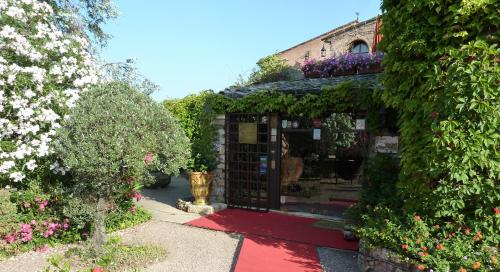 Chateau-Hotel La Vignette, Cannes, France, picture 21
