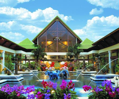 Universal's Loews Royal Pacific Resort photo 6