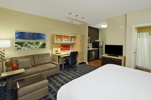 TownePlace Suites San Jose Santa Clara photo 13