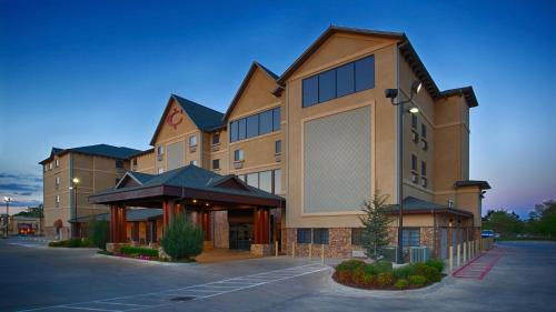 Best Western PLUS Cimarron Hotel & Suites Photo