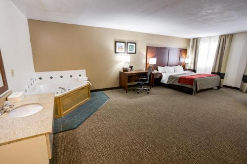 Comfort Inn Kearney - Liberty Photo