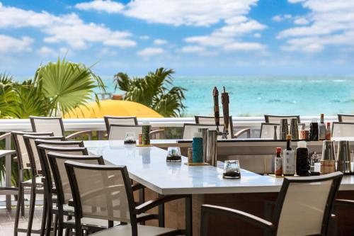 Hilton Cabana Miami Beach Photo