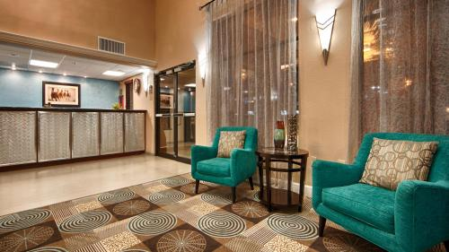 Best Western Plus Sam Houston Photo