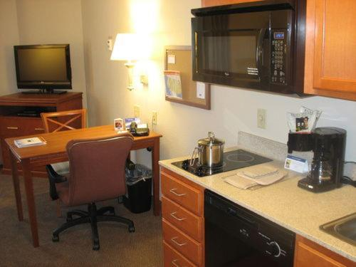 Candlewood Suites Indianapolis Northwest photo 10