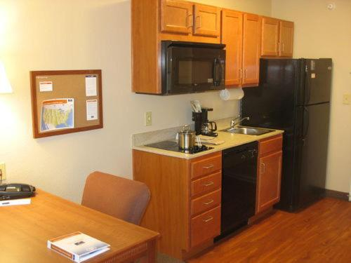 Candlewood Suites Indianapolis Northwest photo 11