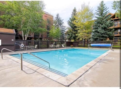 Park Station 2 Bd/2 Ba Quiet Corner Main St Condo Photo