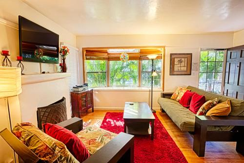 Classic Pacific Beach Two Bedroom In San Diego Ca Free Internet Pets Allowed