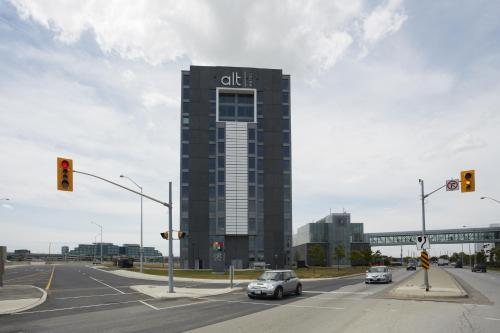 Alt Hotel Toronto Airport Photo
