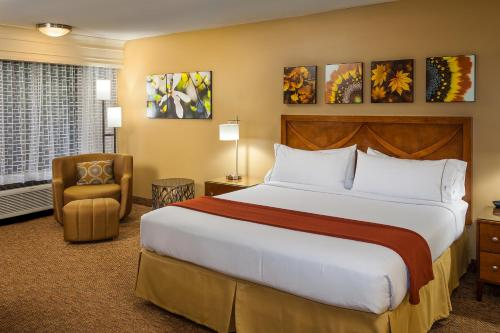 Holiday Inn Express Simi Valley Photo