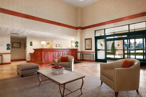 Wingate by Wyndham Vienna/Parkersburg -  star rating for travel with kids