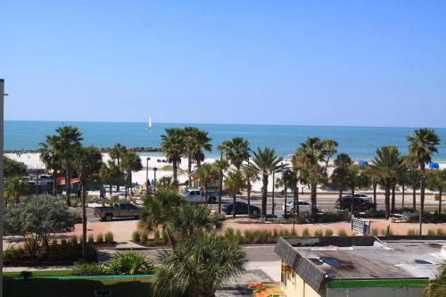 Magnuson Hotel Clearwater Beach - Clearwater Beach, FL 33767