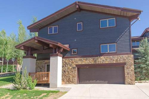 Bear Creek Home - Steamboat Springs, CO 80487