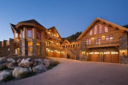See Me Lodge - Steamboat Springs, CO 80487