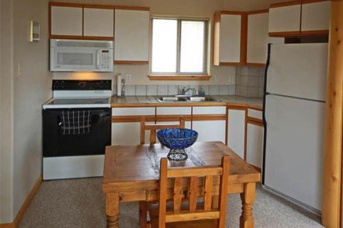 Valley View Home - Steamboat Springs, CO 80487
