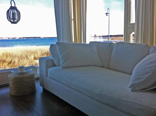 http://www.booking.com/hotel/ee/luxurious-seaside-apartment-tallinn.html?aid=1728672