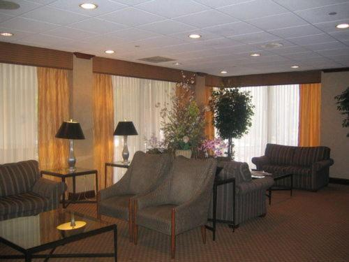 Saddle Brook Hotel Photo