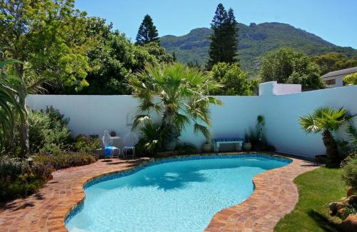 Hout Bay Beach Cottage Photo
