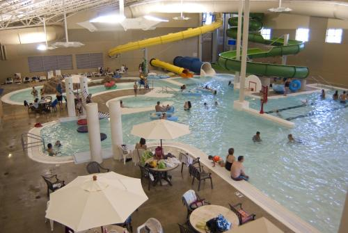 King's Pointe Waterpark Resort Photo