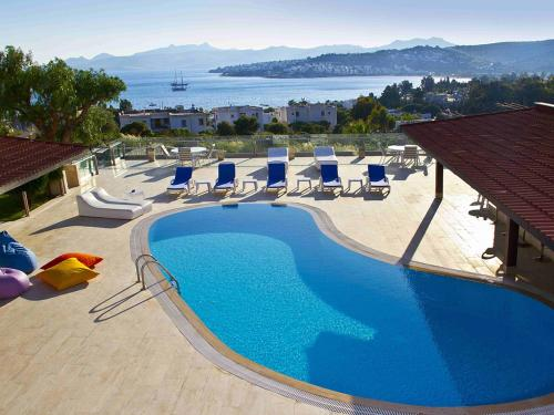 http://www.booking.com/hotel/tr/sestra-apart-hotel.html?aid=1728672