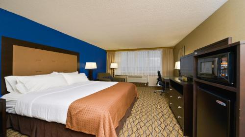 Holiday Inn Hotel Pittsburgh-Monroeville Photo