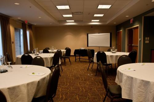 Fairfield Inn & Suites by Marriott Sault Ste. Marie Photo