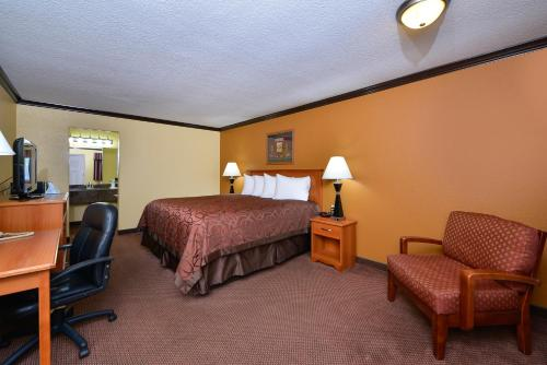 Americas Best Value Inn Center Photo