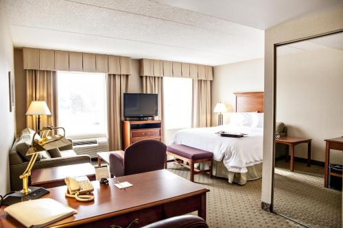 Hampton Inn & Suites by Hilton Kitchener Photo