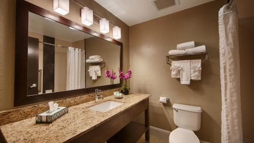 Best Western Airport Inn & Suites - Orlando, FL 32809