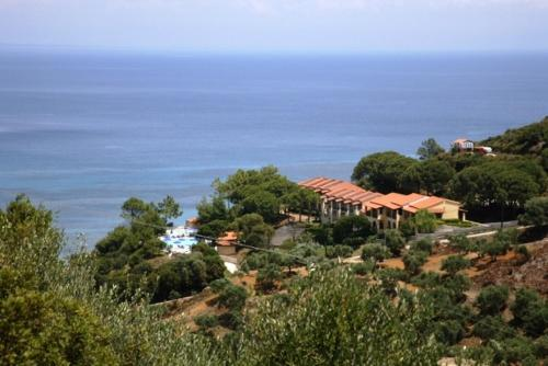 Celia Apartments - Xirokastelo Greece