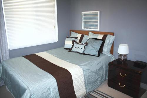 Downtown Whitby Furnished Homes Photo
