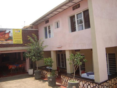 http://www.booking.com/hotel/rw/jambo-guest-house.html?aid=1728672