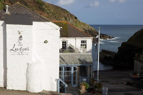 Lugger Hotel 'A Bespoke Hotel', green hotel in Portloe, United Kingdom